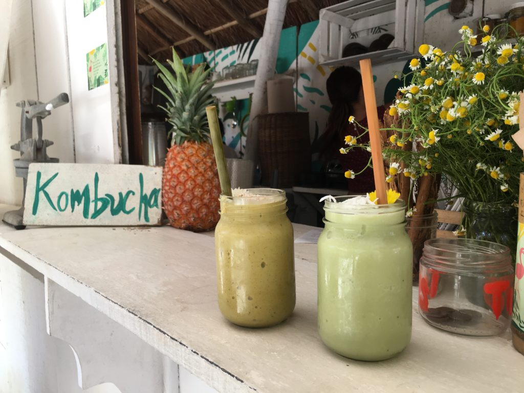 Matcha Mama Tulum smoothies and bamboo straws