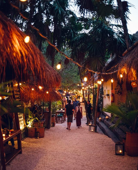 Mur Mur Tulum string lights